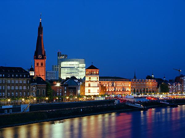 الاماكن السياحية في دوسلدورف البلدة القديمة