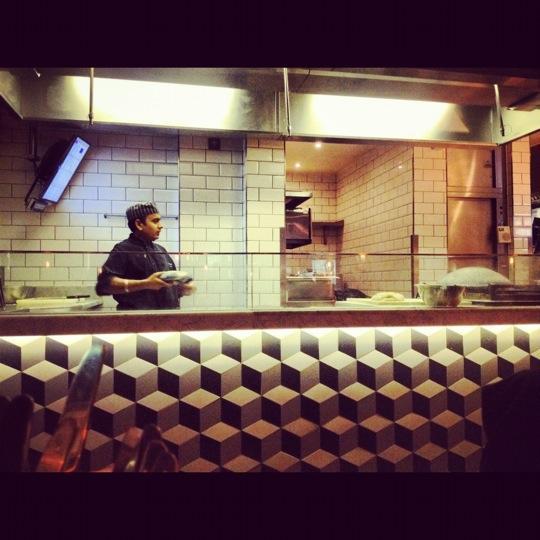 في لندن مطعم ديشوم  UDXe6