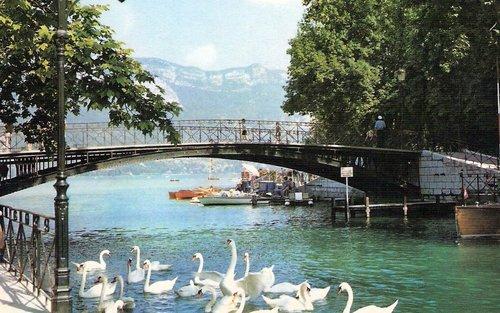 جسر العشاق في انسي فرنسا